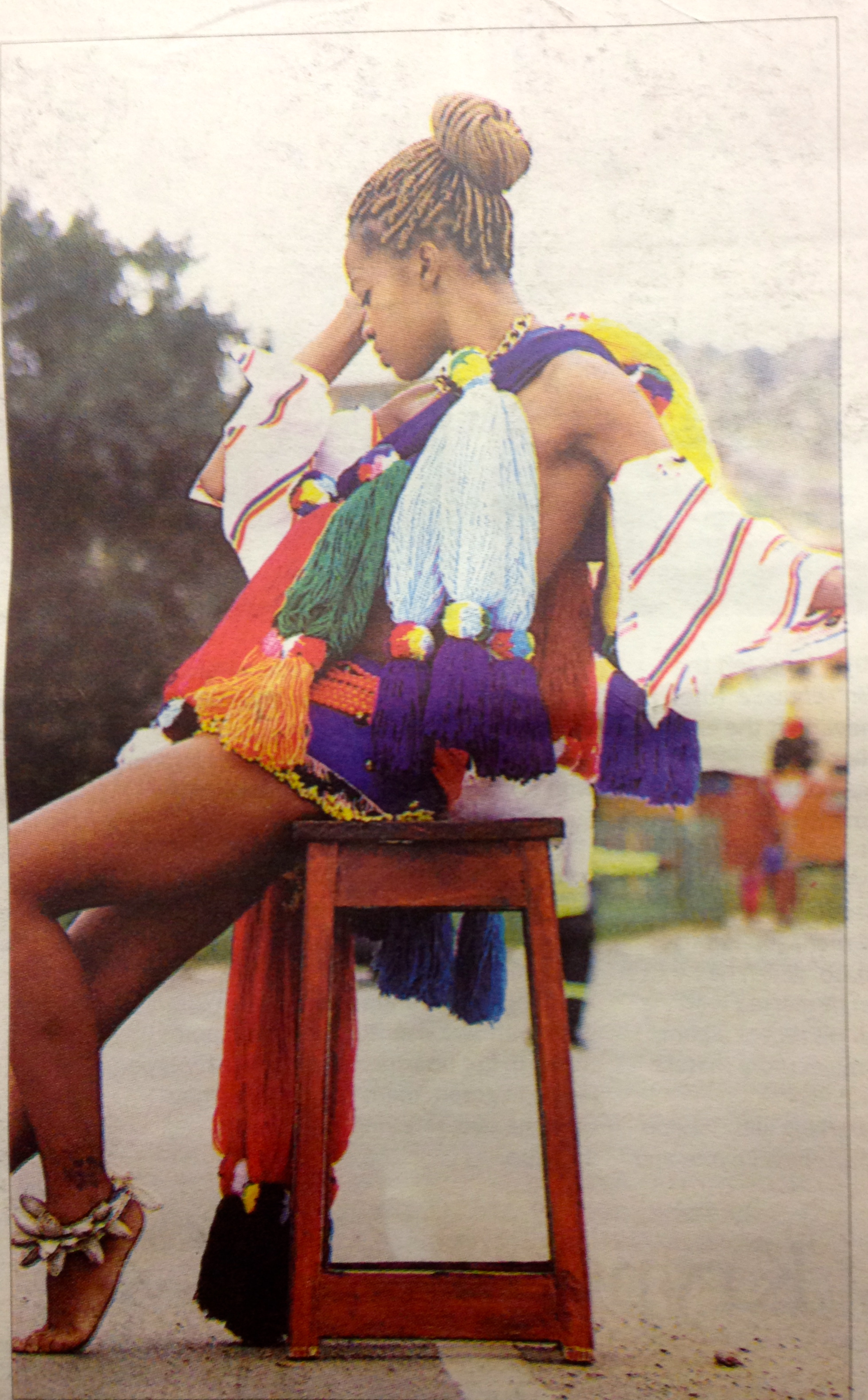 Swaziland has a new newspaper the sunday observer swazi model sasha groening dressed in traditional dress at manzini bus rank from scene sunday observers fashion lift out photo peppy sibanyoni thecheapjerseys Image collections